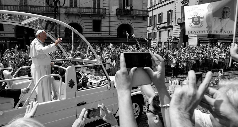 Pope Francis and crowds-Turin-Italy-notecard-Ron Levy Photography
