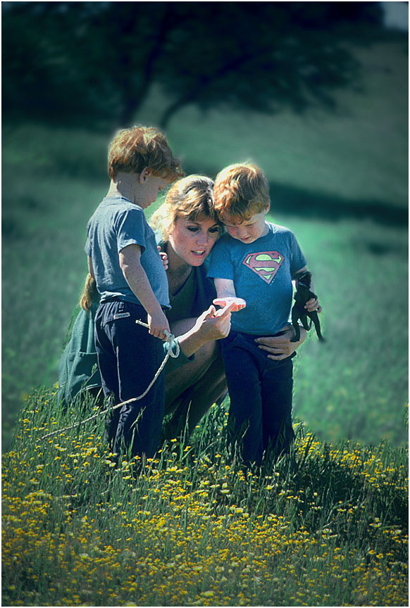 mother-twins-flowers_RonLevy