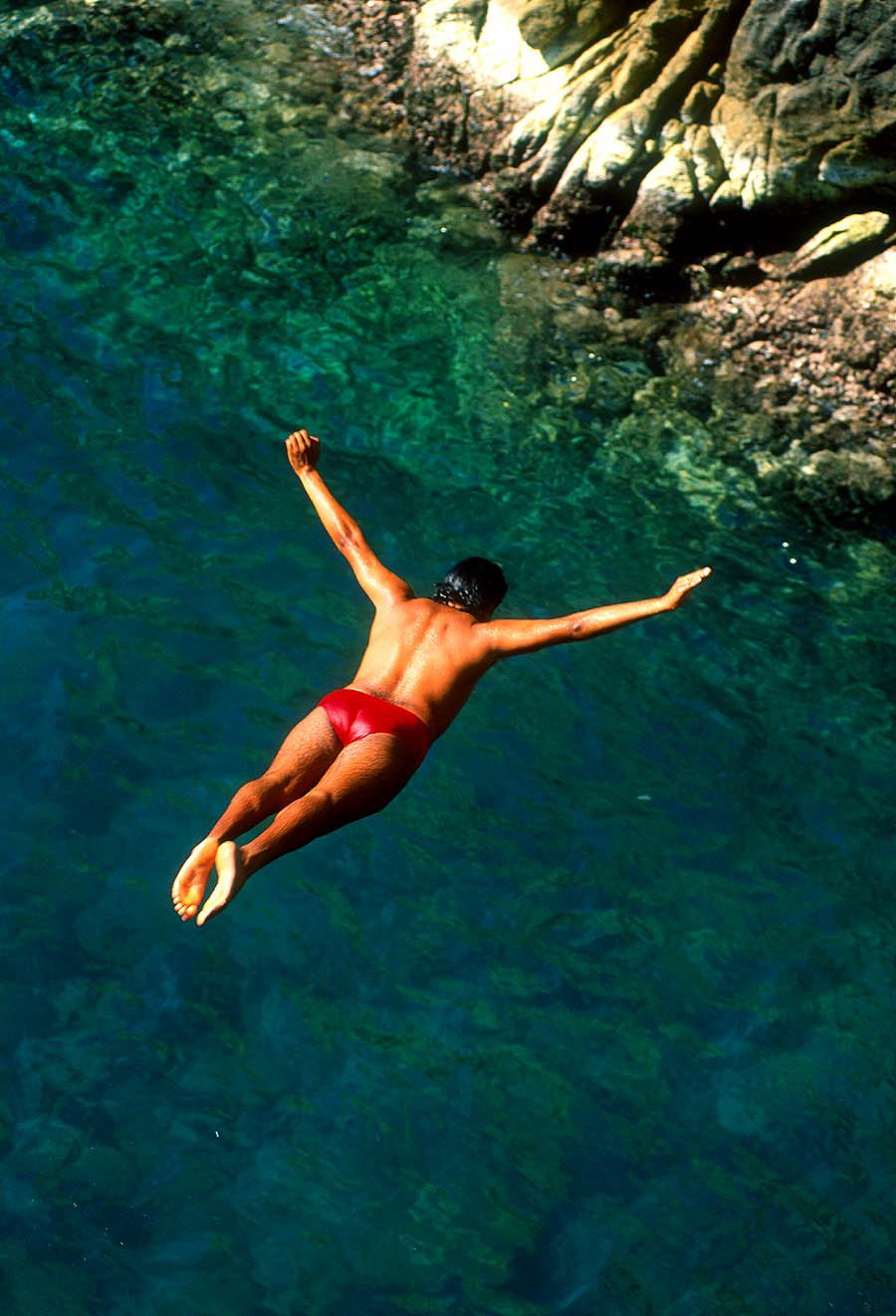 high diver-quebrada-acapulco-Mexico-Ron Levy Photography
