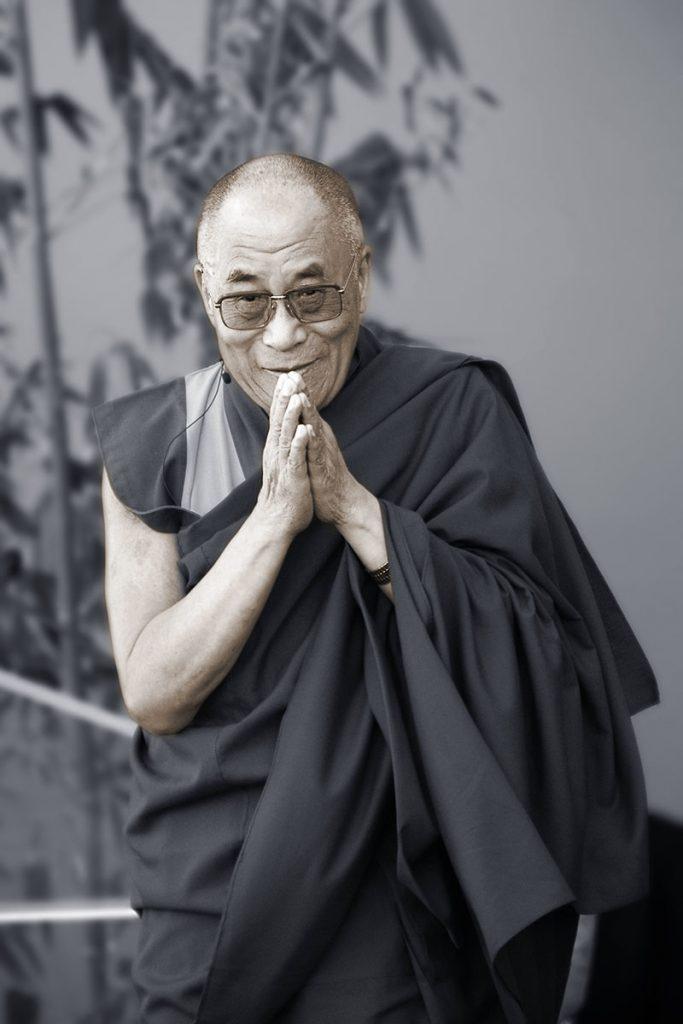 Dalailama-BW-ronlevyphoto